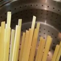 Lingine ligner på spagetti bare flatere