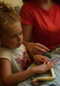 De fleste barn elsker både å være med på å lage gnocchi og på å spise dem